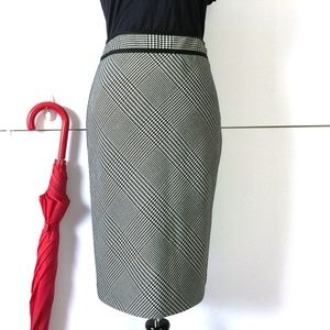 New WHBM Black & White Houdstooth Pencil Skirt 4